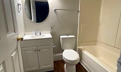 Bathroom, 820 Rivermont Ave, 2