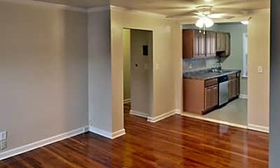 Woodbridge Apartments, 2