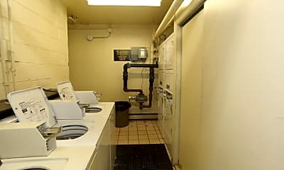 Bathroom, 523 W Briar Pl, 2