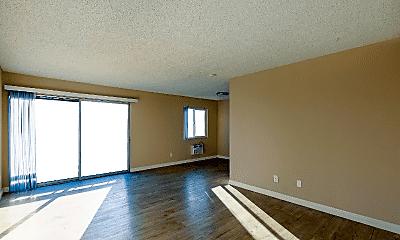 Living Room, 8131 San Angelo Dr, 1