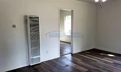 Bedroom, 458 N Meyler St, 1