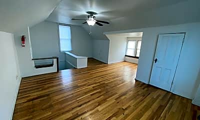 Living Room, 2205 Waldeck Ave, 2