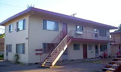 Building, 630 Pioneer Pkwy W, 1