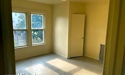 Bathroom, 3260 N 21st St, 2