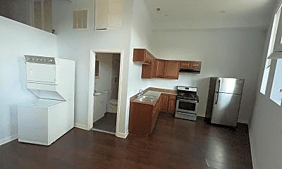 Kitchen, 2409 S Hoyne Ave, 1