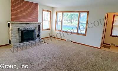Living Room, 7421 Pershing Blvd, 1