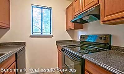 Kitchen, 812 Richmond St, 2
