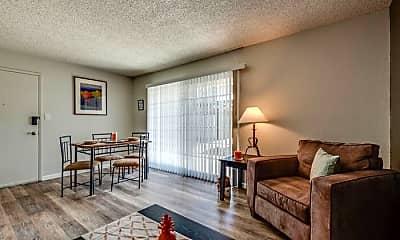 Living Room, 444 Kirman Ave, 1