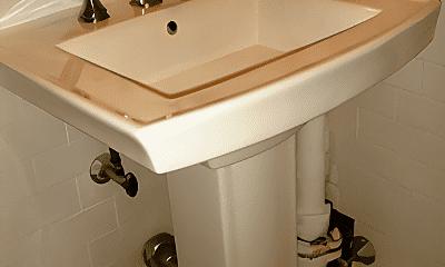 Bathroom, 19 W 69th St, 1