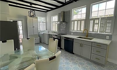 Kitchen, 118 Metairie Heights Ave UPPER, 1