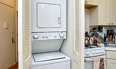 Bathroom, 366 Broome St, 1