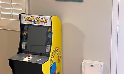 Pac-man.jpg, 13557 Agsten Ln, 2