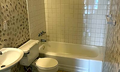 Bathroom, 22 Sharolyn St, 2