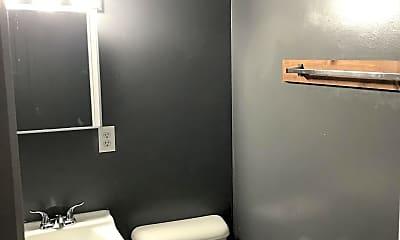 Bathroom, 214 S 10th St, 2