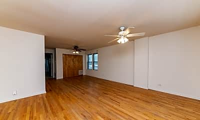 Living Room, 544 N Hermitage Ave, 1