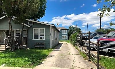 Building, 905 W Lynwood Ave, 2