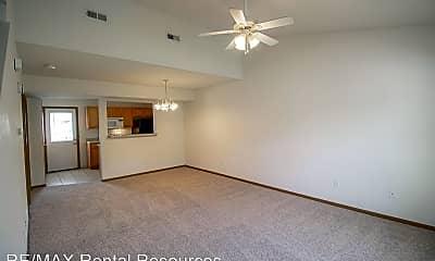 Living Room, 1424 Greensboro Dr, 1