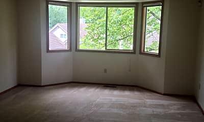 Living Room, 17402 NE 28th St, 2