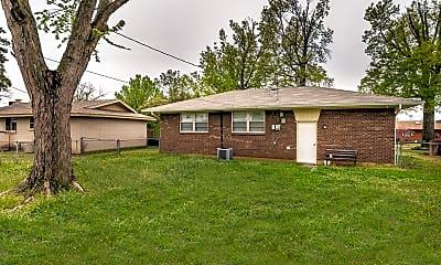 Building, 612 Leslie Dr, 2