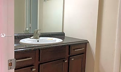Bathroom, 2700 Riverside Dr 207-B, 2