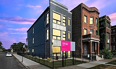 Building, 5233 S Wabash Ave 1, 2