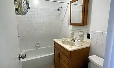 Bathroom, 468 Classon Ave, 2