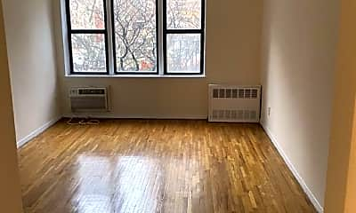 Living Room, 324 E 35th St, 1