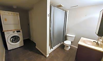 Bathroom, 149 Dove St, 2