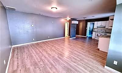 Living Room, 512 E Symmes St, 1