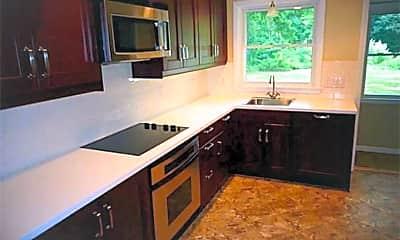 Kitchen, 93 Scott Swamp Rd, 1