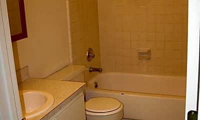 Bathroom, 854 E 9th St, 2
