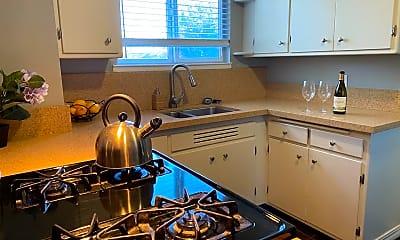 Kitchen, 2211 Ivy Dr, 1