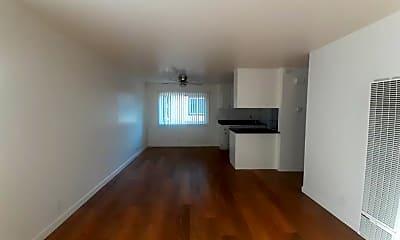 Living Room, 2526 S Bascom Ave, 2