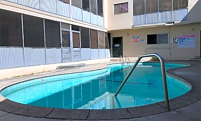 Pool, 1400 College View Dr, 2