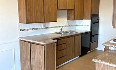 Kitchen, 2432 Mohawk St, 0