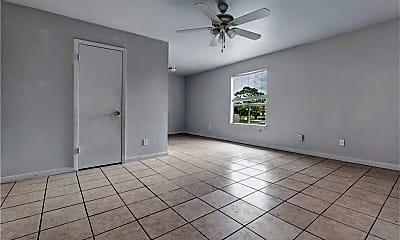Living Room, 2703 Poplar Cir D, 1