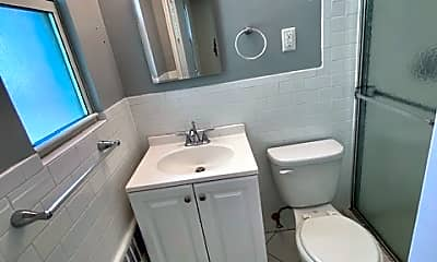 Bathroom, 157 White Plains Rd 69E, 2