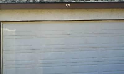 771 Hampshire Ln, 2