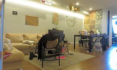 Living Room, 634 Kosciuszko St, 0