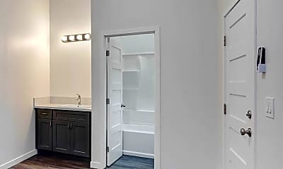 Bathroom, 2143 Everett Ave, 1