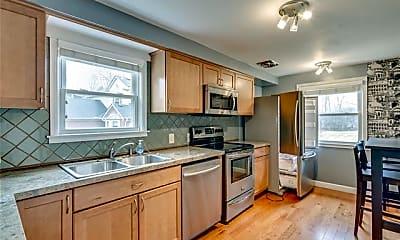 Kitchen, 858 Trombley Dr, 1