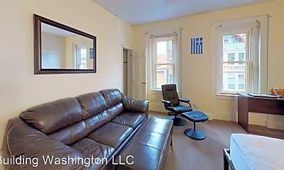Living Room, 136 Washington St, 2