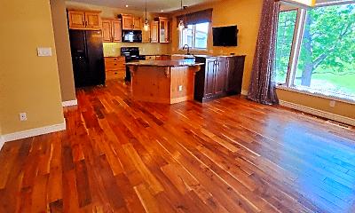 Living Room, 3105 Broadmoor Valley Rd, 1