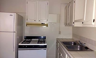 Kitchen, 629 Pine Ave, 1
