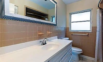 Bathroom, 3206 Harrison Ave, 2