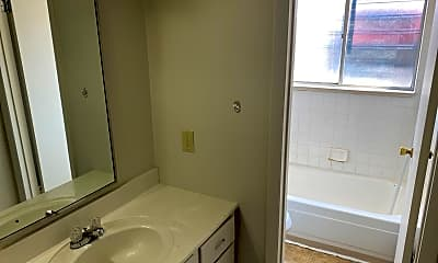 Bathroom, 2210 S Dexter St, 2