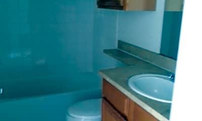 Bathroom, 6141 Metrowest Blvd, 1