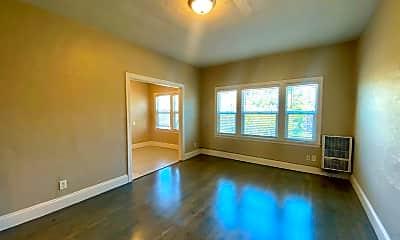 Living Room, 5300 Walnut St, 1
