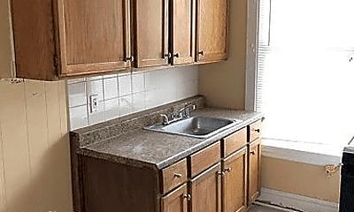 Kitchen, 1229 E 71st St, 1