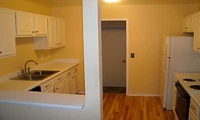 Kitchen, 252 Barrington Circle, 1